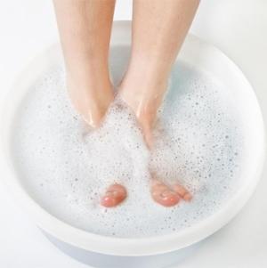 Как лечить грибок на пятках ног: симптомы, причины, профилактика, фото
