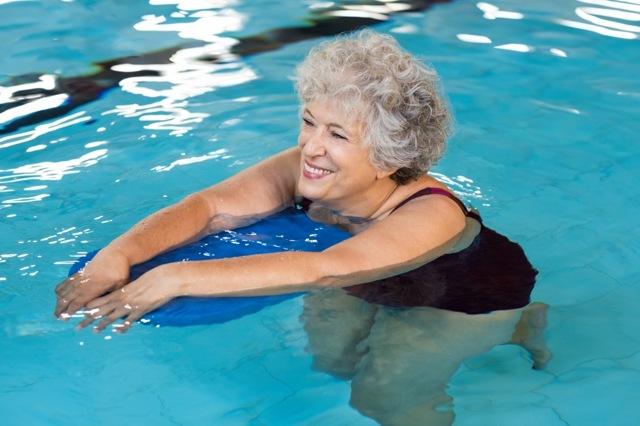 Перелом шейки бедра у пожилых людей: прогноз, лечение и реабилитация без операции