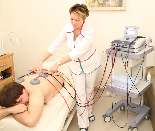 Физиотерапия СМТ мышц спины: что это такое, какие есть противопоказания