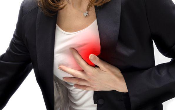 Причины прозрачных выделений из грудных желез при надавливании