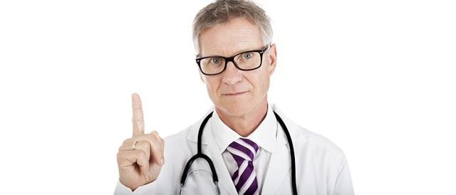 Прыщи на грудной клетке у женщин и мужчин: виды, причины и лечение