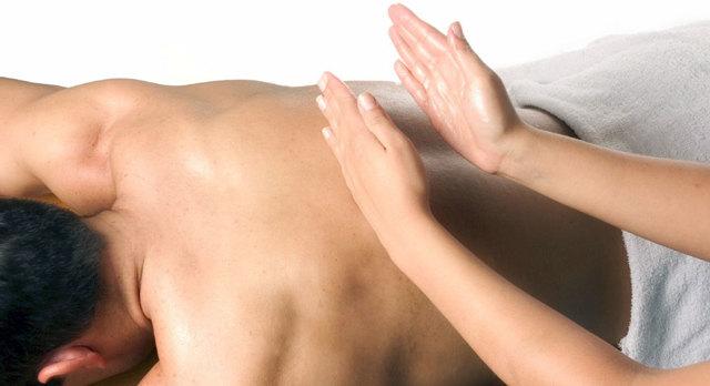 Массаж при сколиозе позвоночника 1-2 и 3-4 степени: техника массажа и методика лечения