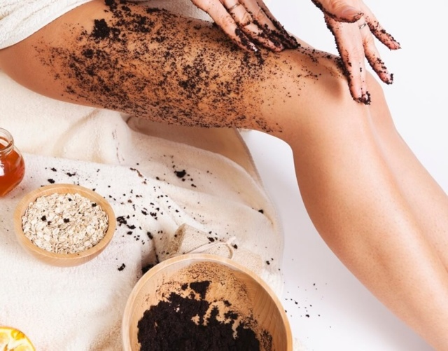 Что делать, если после загара облазит кожа на спине: можно ли еще загорать и как отшелушить кожу
