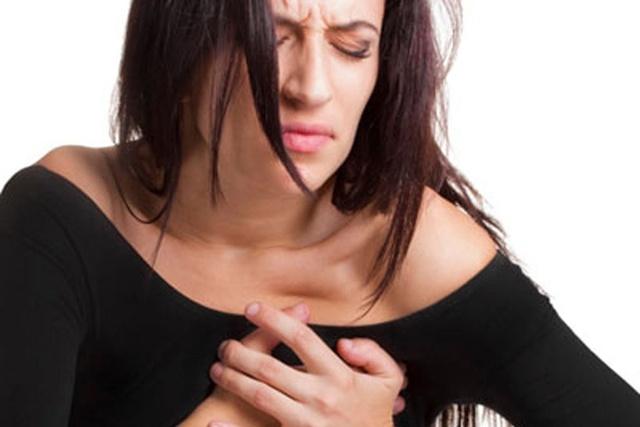 Причины жжения в грудине слева у женщин и мужчин