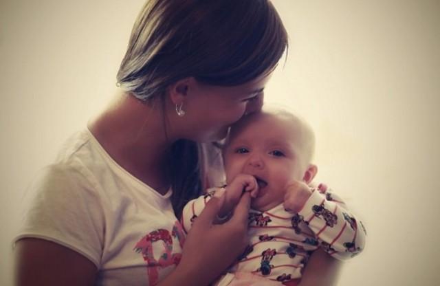 Полоска на животе после родов: причины, сроки исчезновения и профилактические меры