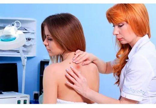 Фурункул на спине: лечение в домашних условиях, причины у мужчин и женщин, код по МКБ-10