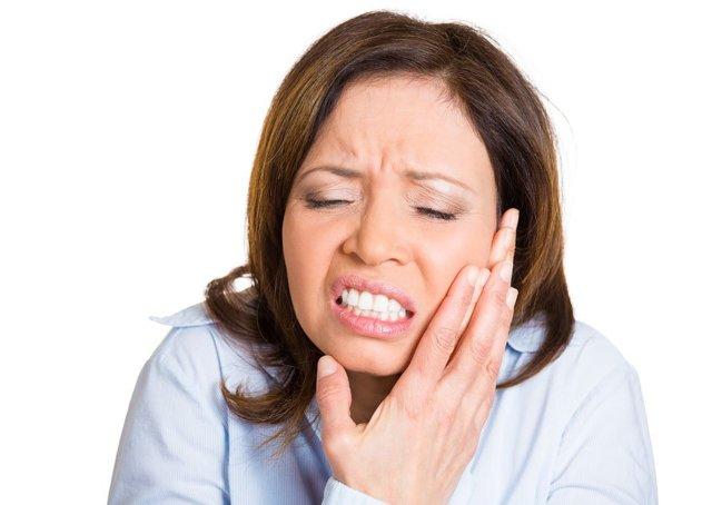 Невропатия возвратного гортанного нерва: парез и другие поражения, нейромониторинг