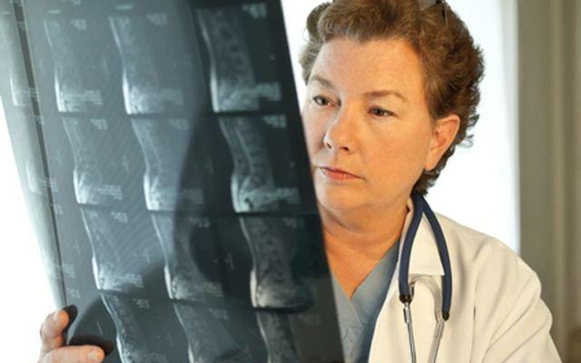 Чем отличается КТ от МРТ позвоночника: что показывает исследование, что лучше делать