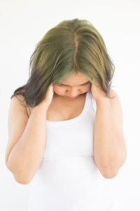 Ощущения в животе в первые дни после зачатия: первые признаки беременности и тревожные симптомы