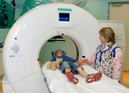 Боль в животе и подреберье слева у детей: причины, диагностика и лечение