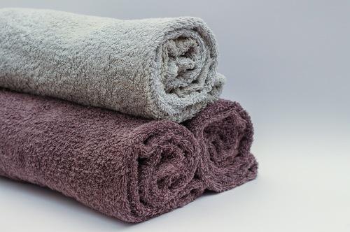 Японский метод коррекции фигуры с помощью валика из полотенца под спину: техника и отзывы