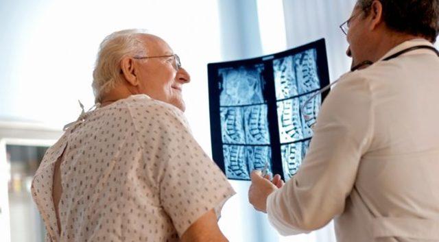 Люмбаго с ишиасом: что это такое, как лечить, код по МКБ-10, симптомы и причины