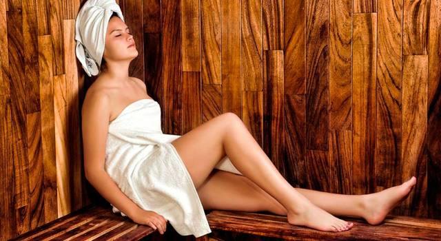 Причины коричневых выделений из грудных желез при надавливании: при кормлении грудью, мастите или перед месячными