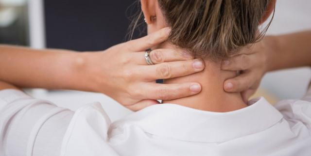 Растяжение мышц шеи и связок шейного отдела позвоночника: симптомы, коды по МКБ-10