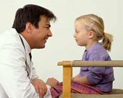 Что делать при боли в животе у детей: первая помощь и профилактические меры