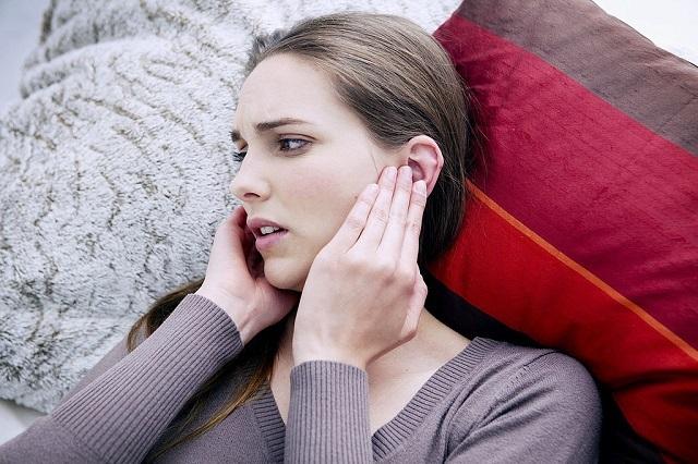 Прострелило шею: что делать в домашних условиях, чем лечить шейный прострел и как снять стреляющие боли