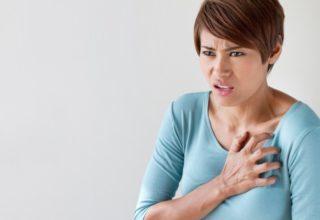 Почему при глубоком вдохе ощущается боль в грудной клетке слева вверху у сердца