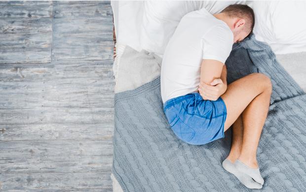 Ночные боли в животе: причины, первая помощь, лечение и профилактика