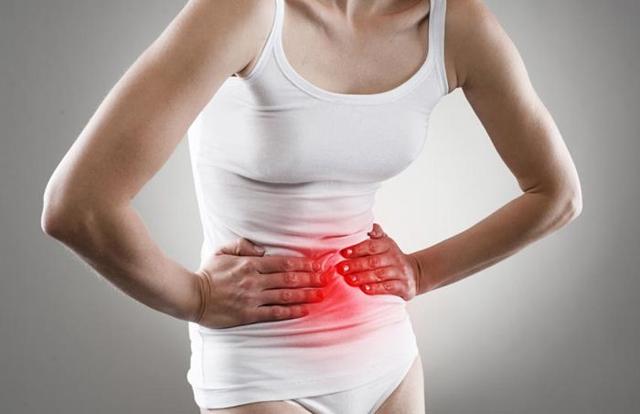 Как проявляется грыжа живота у женщин: симптомы и признаки