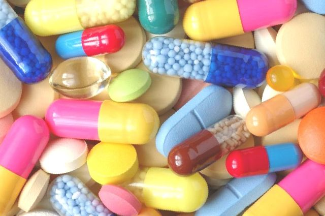 Обезболивающие препараты при переломе шейки бедра: мази,таблетки и уколы