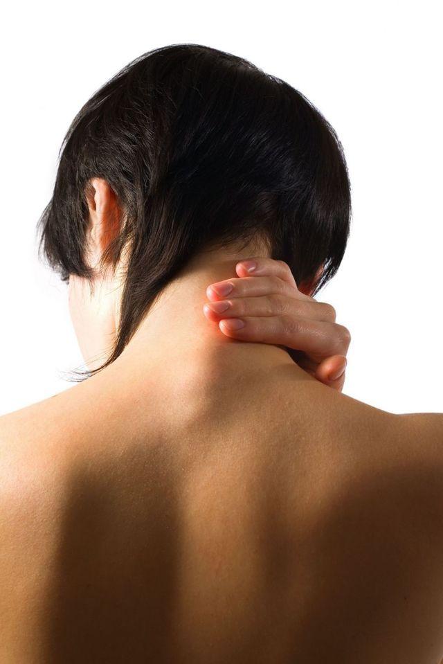 Подвывих шейного позвонка: лечение, код по МКБ-10, вправление, симптомы у взрослых и детей