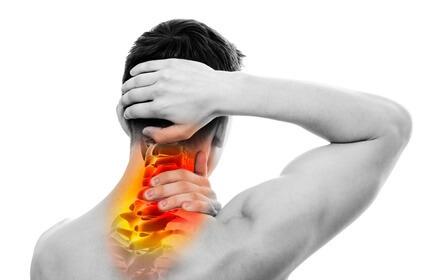 Защемление нерва в шейном отделе, симптомы и тактика лечения