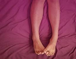 Что делать если лопнули сосуд или вена под коленом, фото