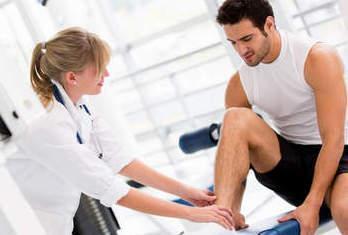 Хруст в коленях при сгибании и разгибании: причины и лечение народными средствами