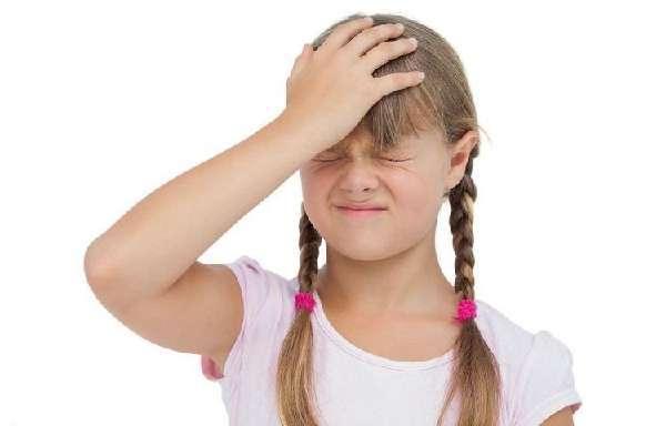 У ребенка болит голова в лобной части: причины головной боли без температуры