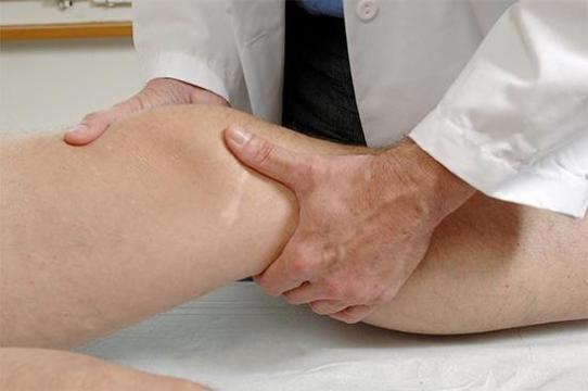 Хронический синовит коленного сустава: симптомы, лечение, профилактика, фото