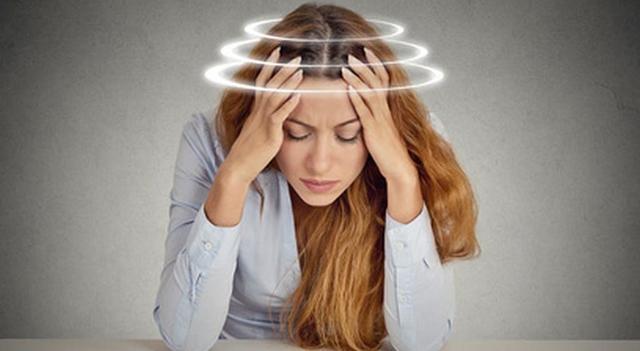 При каком давлении кружится голова и тошнит, низком или высоком: как определить