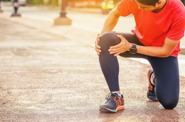 Тяжесть в области ног ниже колена: причины и лечение