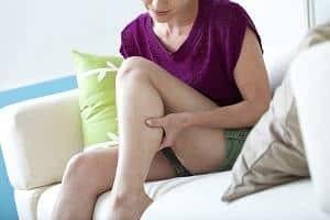 Боль в икроножной мышце: причины и лечение в домашних условиях