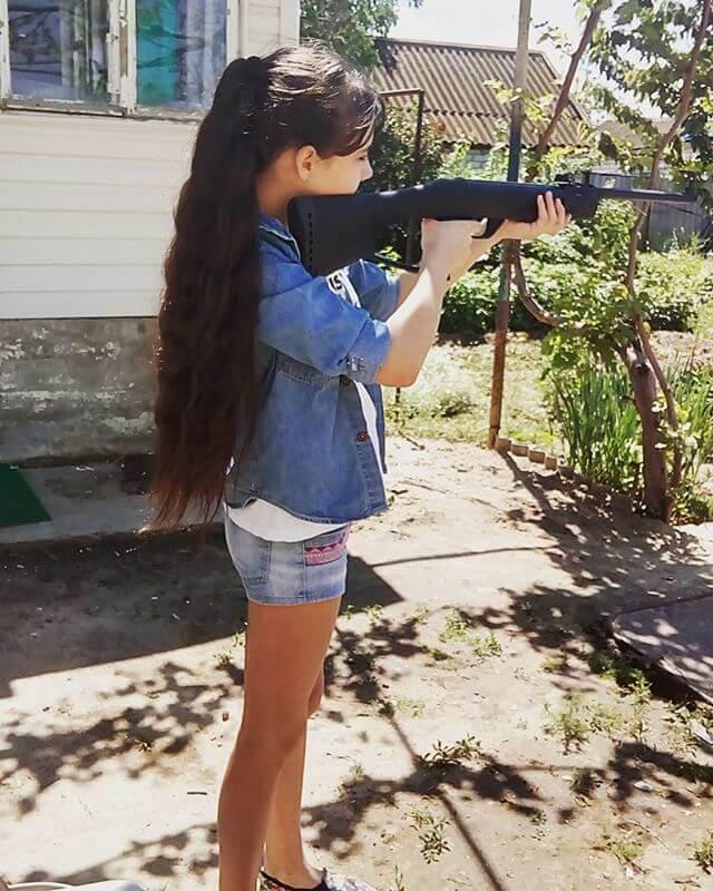Стреляет за ухом в голове справа или слева: что это за прострелы, что делать, когда появляется стреляющая боль