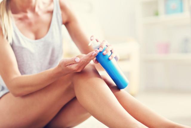 Сухая кожа на ногах ниже колен сильно шелушится: причины, лечение и что делать