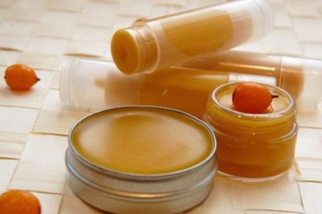 Сухая кожа на локтях и коленях: причины и методы лечения