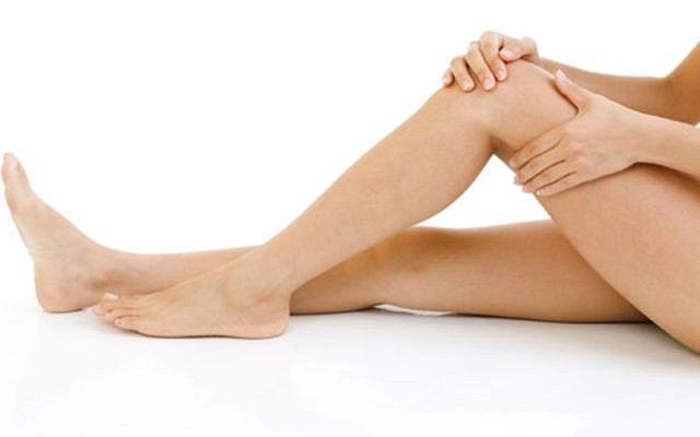 Хруст и боль в колене при сгибании и разгибании: симптомы, причины и лечение