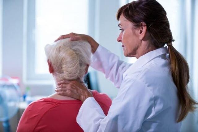 Шум в голове у пожилых людей: причины, лечение и лекарства от шумов в голове в пожилом возрасте