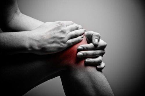 Как правильно наложить повязку на колено: черепашья, ортопедическая фиксирующая, крестообразная