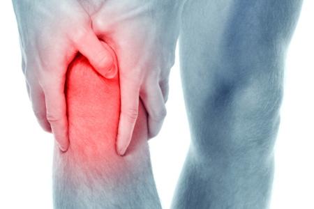 Почему болят колени у мужчин и женщин: симптомы, причины, что это может быть