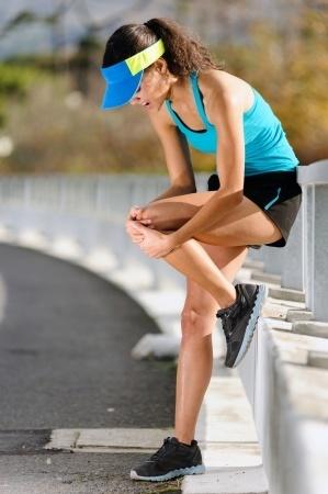 Что делать если болят колени: причины, диагностика, первая помощь