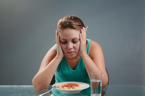 Головокружение после еды: причины слабости у женщин и мужчин, что делать, лечение